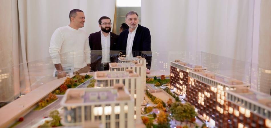 ANT Development представила выставку картин Семена Файбисовича в новом арт-пространстве Victory Park Residences
